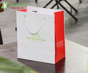 Túi xách giấy đựng quà QA